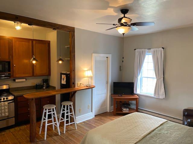 Historic Rockdale Private Studio Apartment