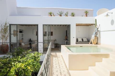 INCHIRA Riad privé unique piscine chauffée