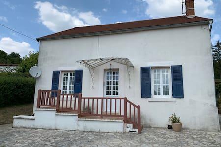 Jolie maison / piscine proche Vézelay & Morvan