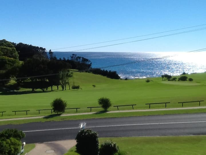 Narooma Golfers Lodge unit 4