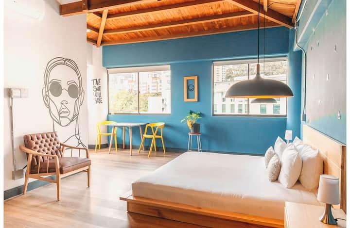 Selina Medellin - Unique Room
