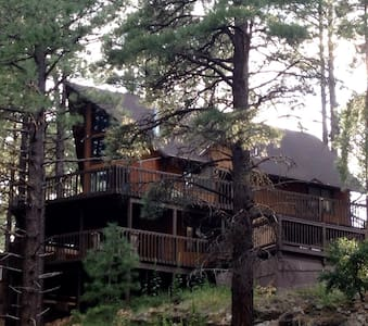 Charming Chalet in the Pines. - Flagstaff