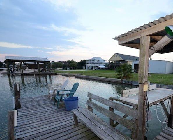 3/1 Waterfront w/ Boat Ramp & Dock!
