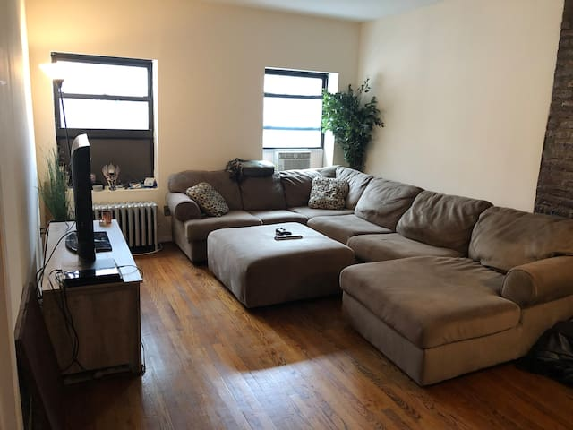 Large 1 BR apt in the heart of Flatiron (NYC)