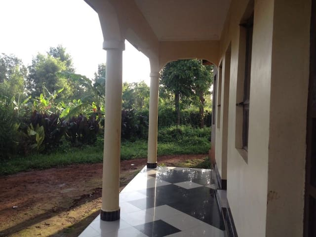 4 pers. room/house to rent in Karatu Town