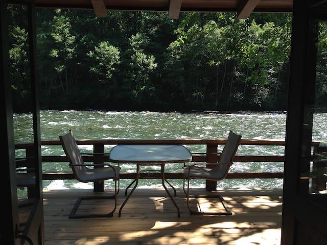 Romantic McKenzie River Cabin #4 - Vida - Sommerhus/hytte