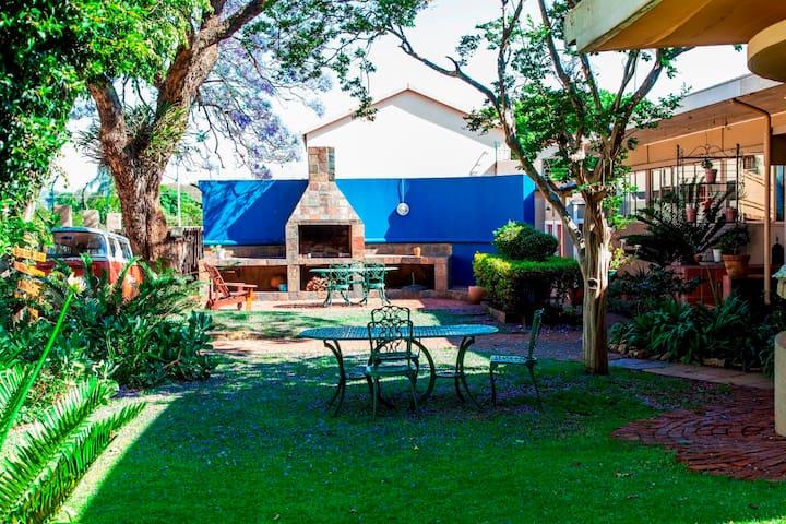 Beautiful 8-bedroom Guest House in Pretoria