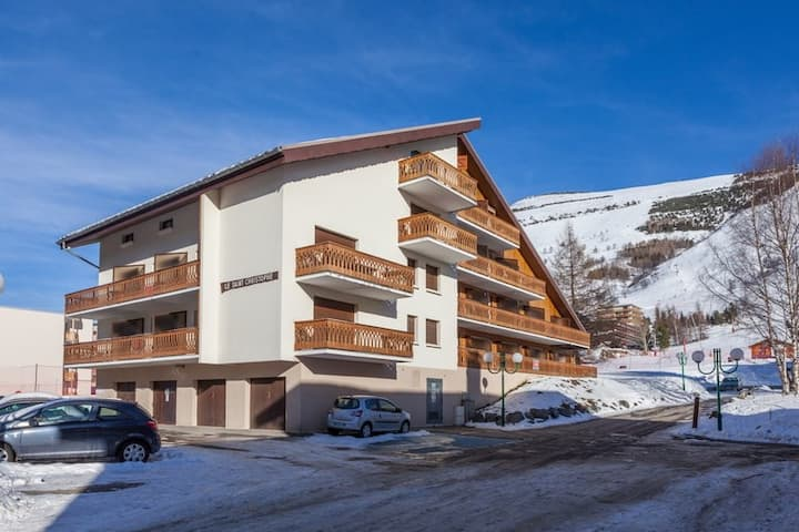 Studio Confortable Au Pied des Pistes! Local à Skis + Parking Extérieur