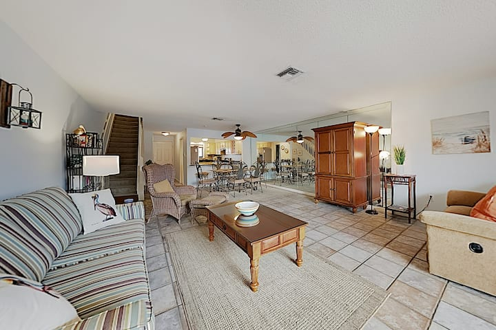 Updated Beachfront All-Suite Escape: Pool & Tennis