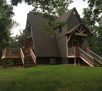 Romantic A-frame Cabin On 177 Private Acres w Lake - Cypress Inn