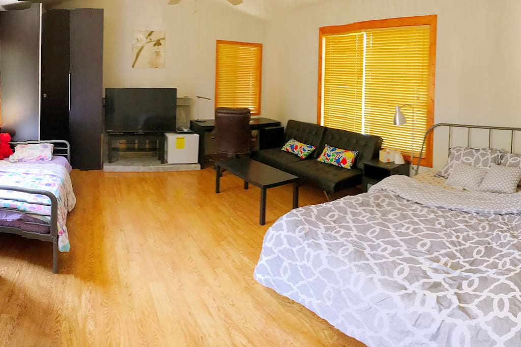 Room S , queen size bed , twin size bed , tv , huge closet ,sofa bed , small refrigerator