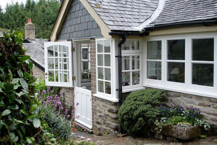 Bramblemoor Cottage