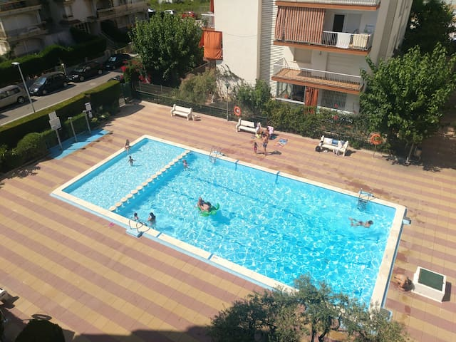 CALAFELBeach: WIFI ,Swimimg pool, PARKING, Sun.