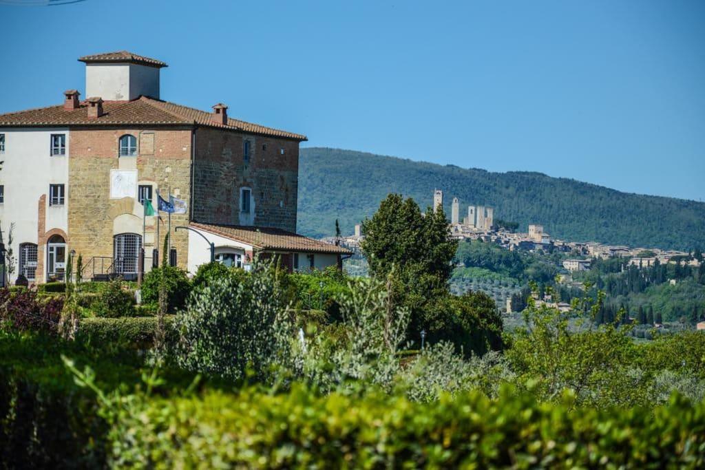 Castello di Fulignano Berizio flat near San Gimignano