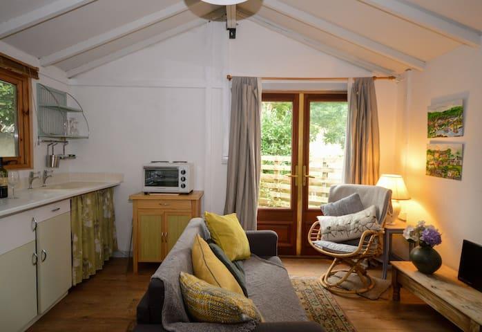The Writer's Den - Llanfairfechan - Cabin