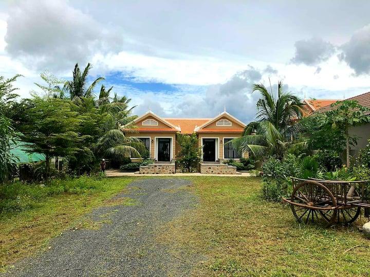 Private villas in Kampot