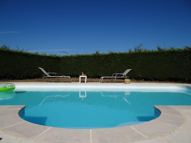 1, 2, ou 3 chambres dans propriété avec piscine - Orval - Talo