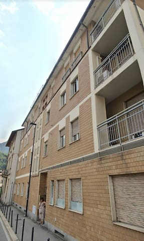 Located 50 meters near to university & Lecco lake.