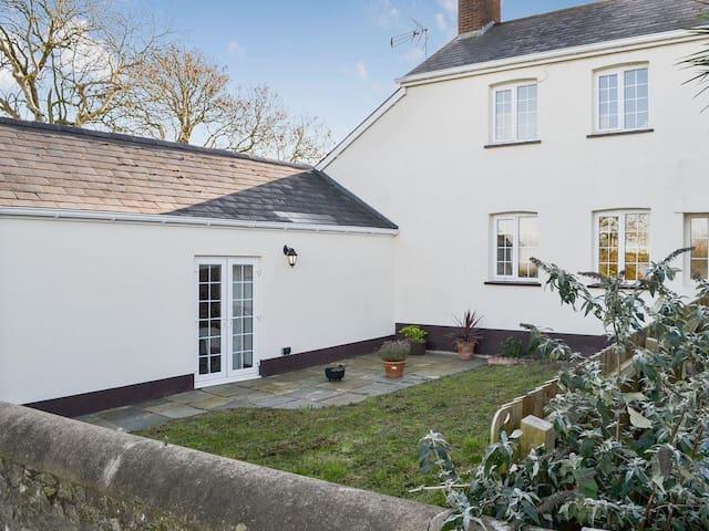 Littleham Court Cottage (UKC2613)