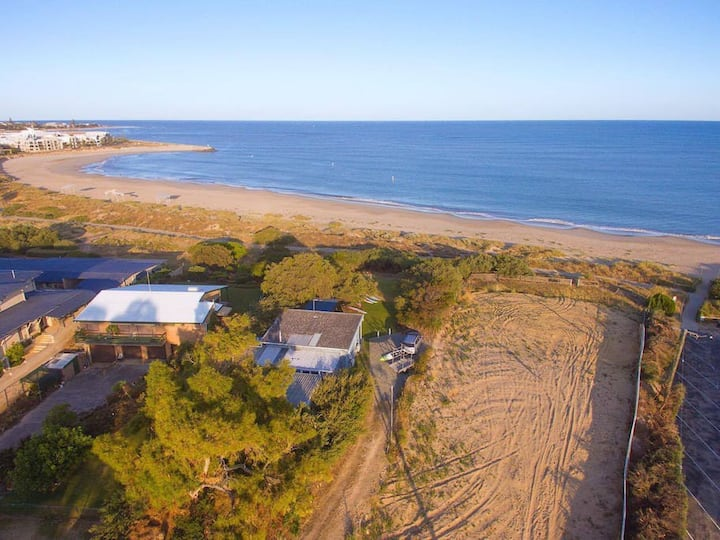 Beach Cottage in the Heart of Mandurah