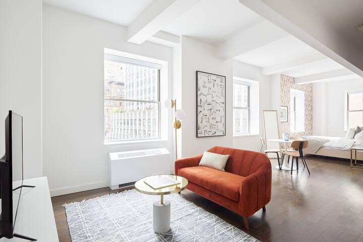 Sonder | One Platt | Vibrant Studio + Rooftop