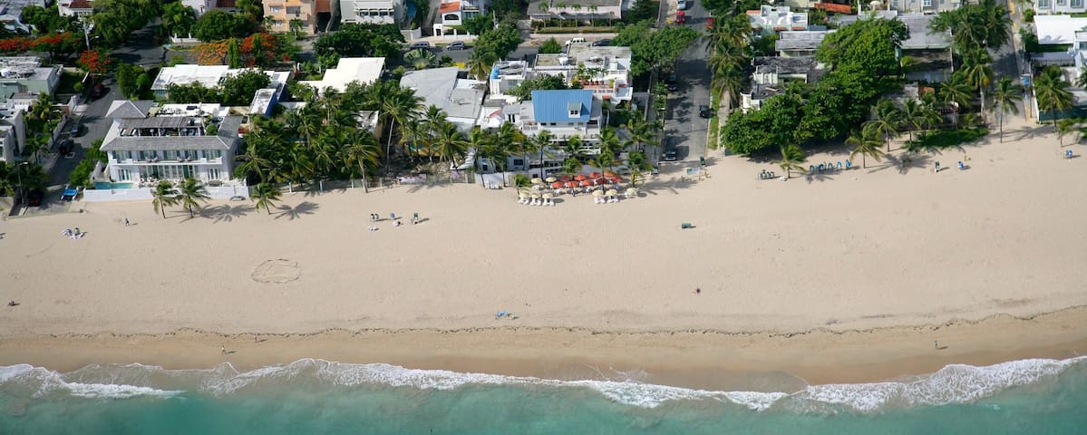 Two Bedroom Apartment Just Steps from the Beach - San Juan - Bed & Breakfast