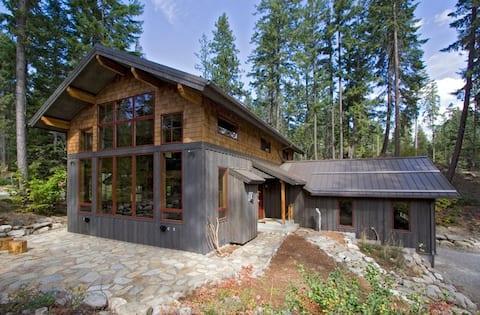 Modern Cabin Near Leavenworth & Lake Wenatchee