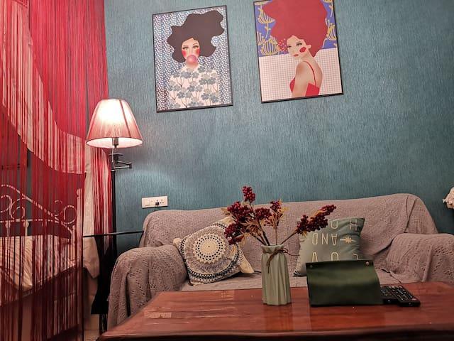 橄榄树3,邻会址,复古简欧混搭风。简单浪漫,拍照超赞,优质床品,橡胶床垫、枕头,温馨一居室。