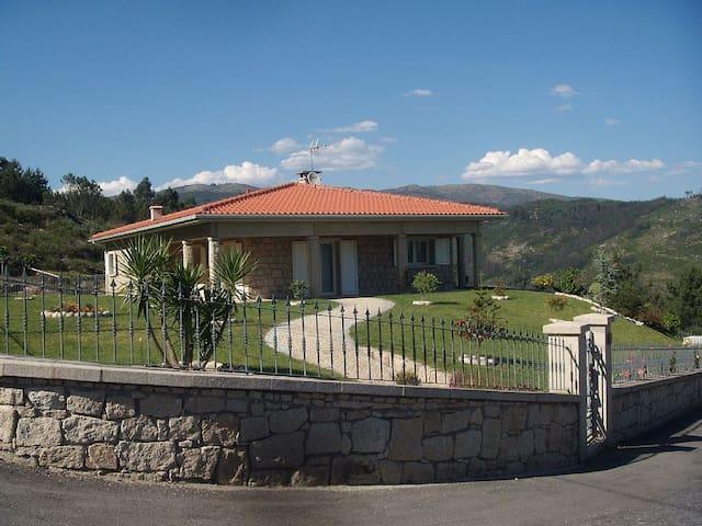 A casa de Pedra do Bico - Cabeceiras de Basto - Casa
