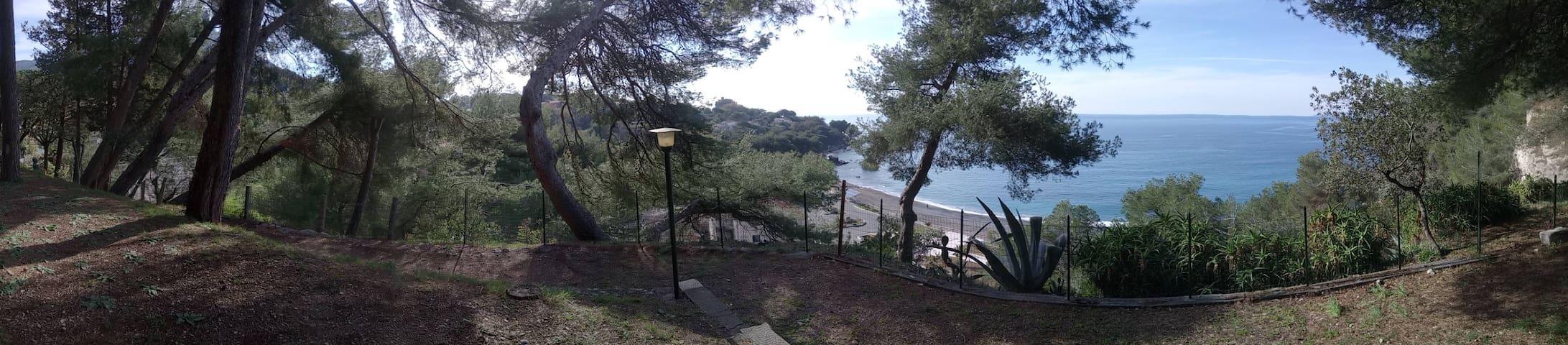 villa glauca a soli a mt. 100 dal mare....