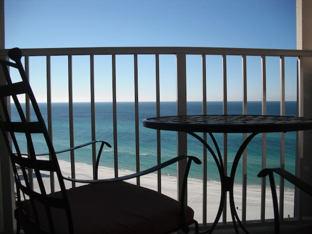 Luxury Beach Front Condo - Great Place to Relax - Panama City Beach