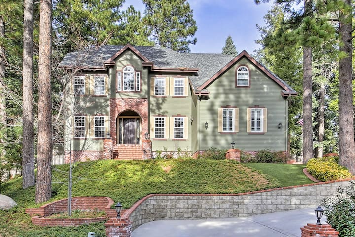 NEW! Beautiful 4BR Family Home in Lake Arrowhead