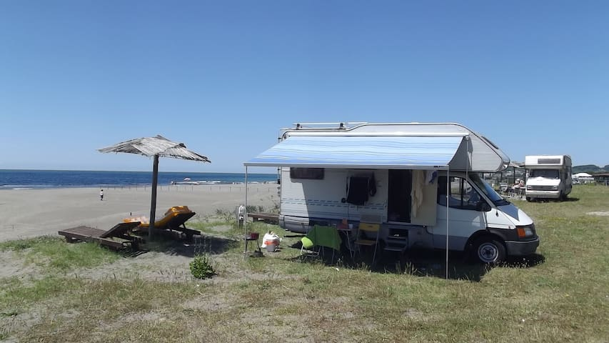 motorhome in Montenegro (Ford)