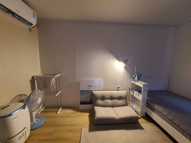 Incheon  Airport, affordable, spacious studio 인천공항