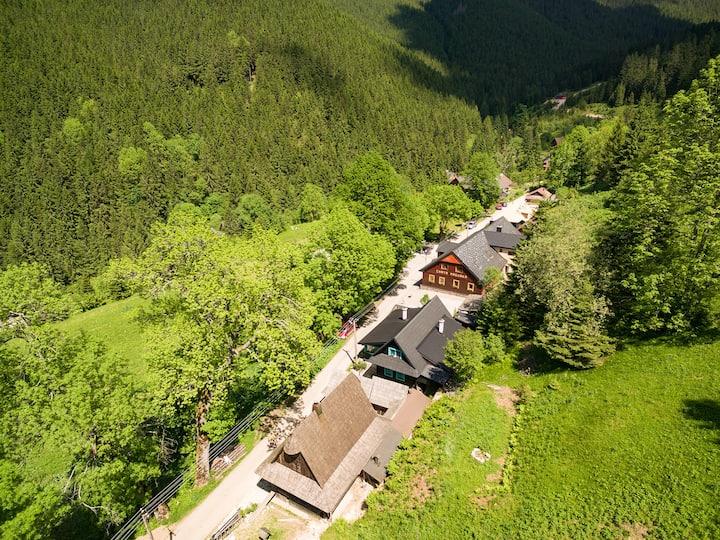 Chata Magurka - útulná izba na horskej chate /No.3