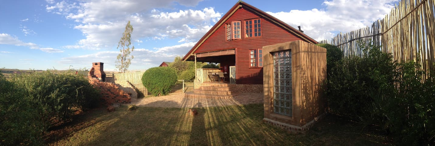 Stone Hill 4* Buffalo Thorn Cottage - Pet Friendly