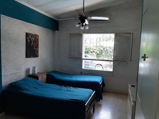 Dormitorio en el corazón de Yerba Buena.