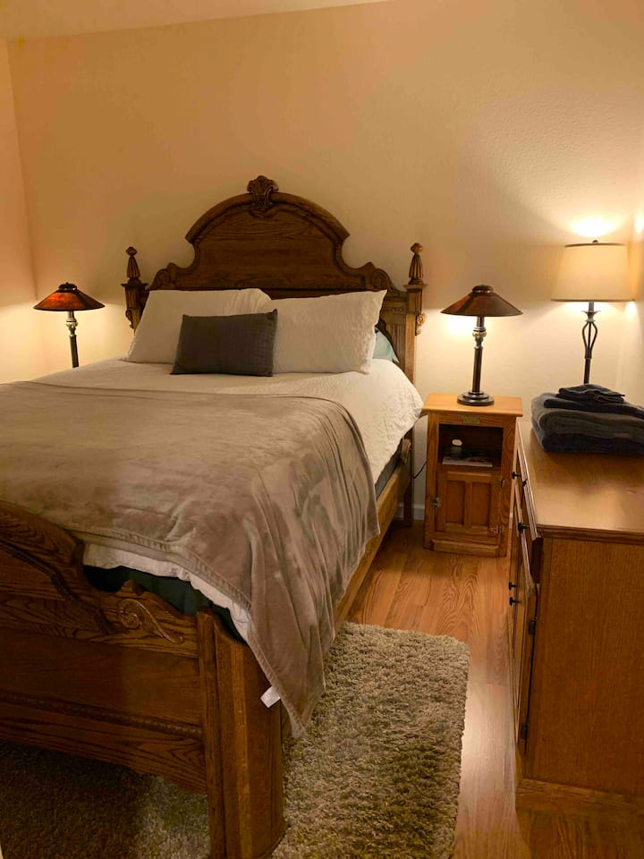 Lovely Room in Private Wing and Private Bathroom