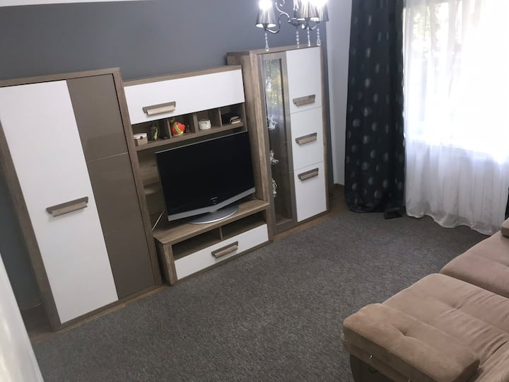 Apartament 2 camere,decomandat ,parter