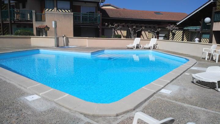 T4 clim av piscine-200m des plages