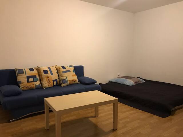 Schönes Privates Zimmer in 2-Zimmer Wohnung