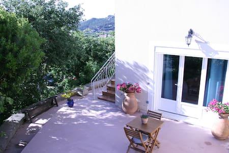 Spatieuse chambre d'hôte, terrasse +petit déjeuner - Six-Fours-les-Plages - Pensió