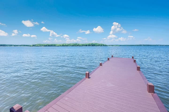 Lakefront, dog-friendly property w/ private dock & sandy beach