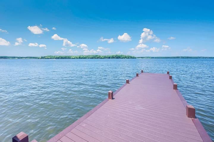 Lakefront, dog-friendly property w/ private dock & sandy beach