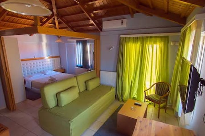 "Studios ""Ηλιοτρόπιο"" 3 - Mitilíni - Apartment"