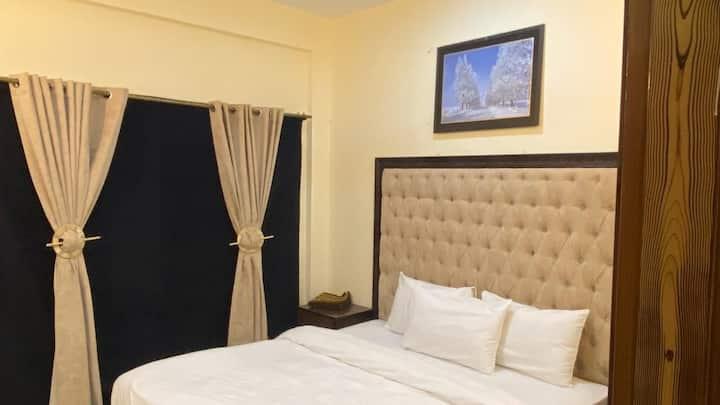 Royal Inn Suites & Rooms
