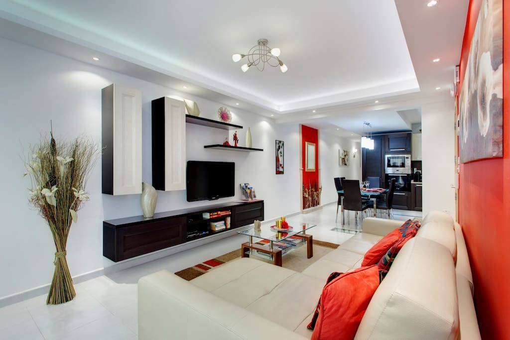Modern 2 Bedroom Sea View Apartment Apartments For Rent