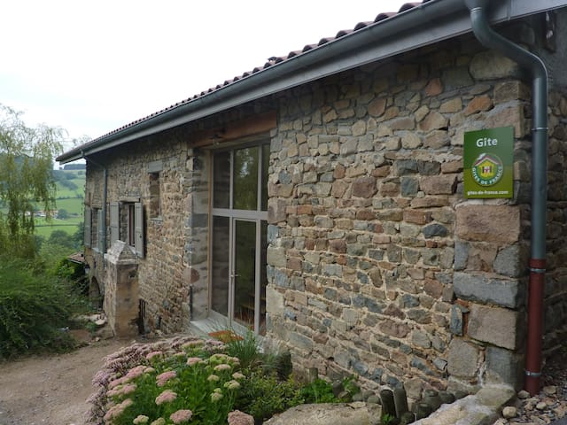 Maison au cœur du Beaujolais Vert. .