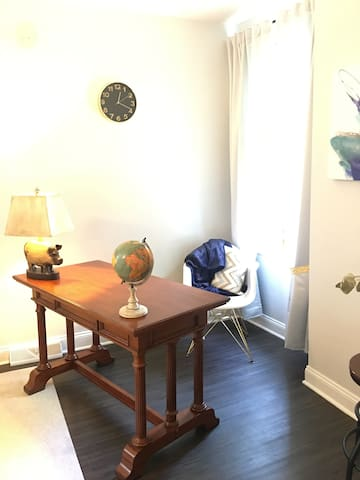 1 BR Urban Apartment 1.3 Mi to Downtown - Pittsburgh - Apartment