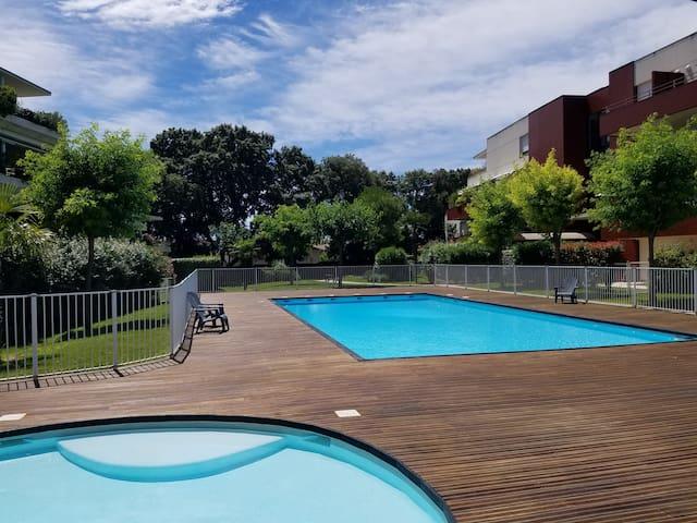 2 pièces dans un parc avec piscine à Montpellier